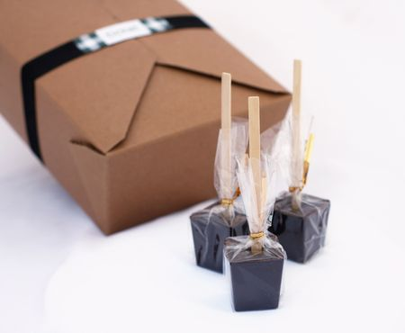 Hot-chocolate-on-a-stick-favors